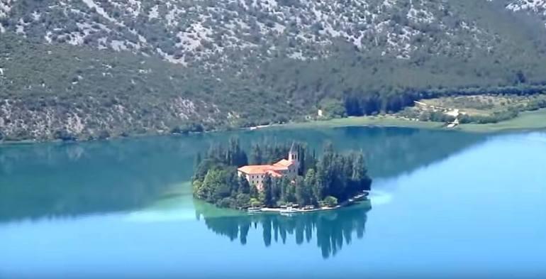 Parc national Krka, un beau parc à cascades près de Sibenik en Dalmatie du Nord 7