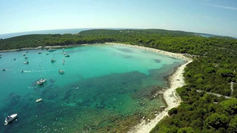bozava plage de saharun sur l'île dugi otok