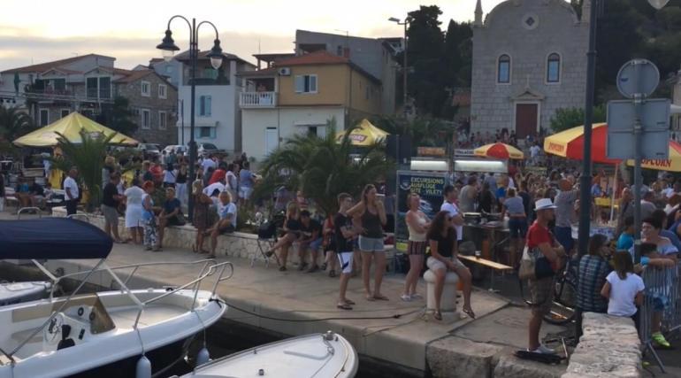Course d'ânes de Tribunj ; une tradition hilarante en Dalmatie centrale 5