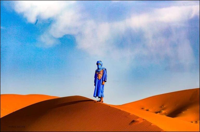 nomade dans le désert marocain