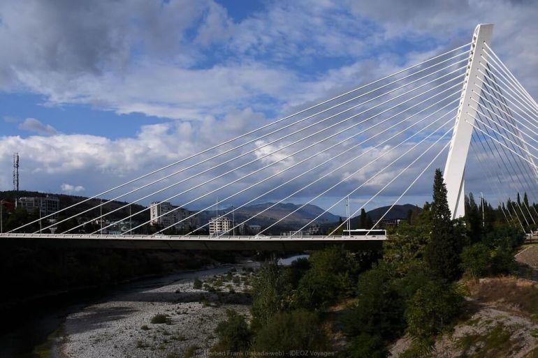 podgorica pont de la paix au montenegro