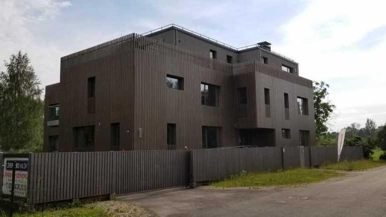 bâtiments modernes à kipsala à riga