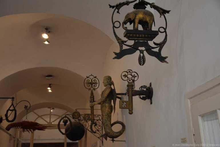 musée kiscelli anciennes enseignes