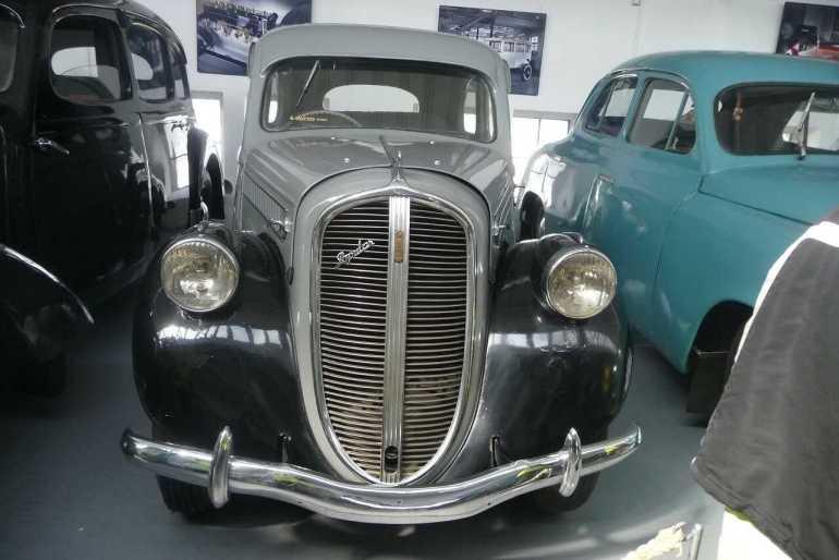 voitures anciennes exposées au musée Skoda de Mlada boleslav
