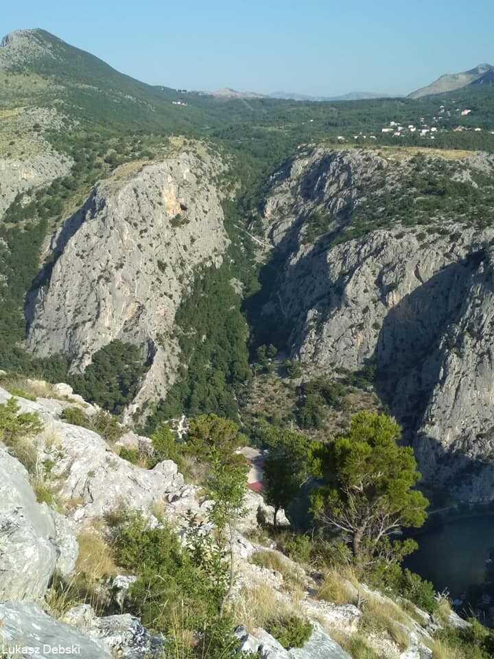 vue sur le canyon de la cetina depuis la via ferrata à omis