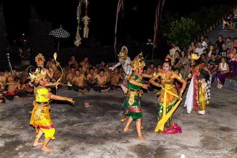 Danses Kecak