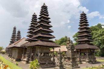 Taman Ayun - temples avec 11 chapeaux, dédiés aux dieux