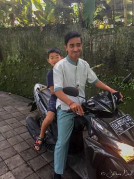 Ubud Heaven Penestanan - Luka fait un tour de scooter