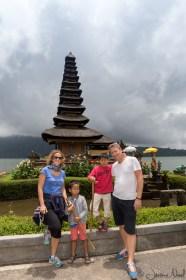 Pura Ulun Danu Bratan - Famille