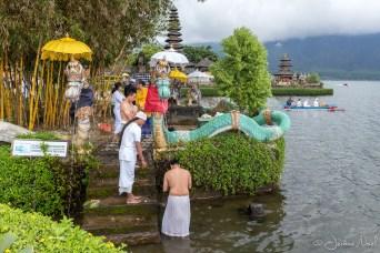 Pura Ulun Danu Bratan - purification