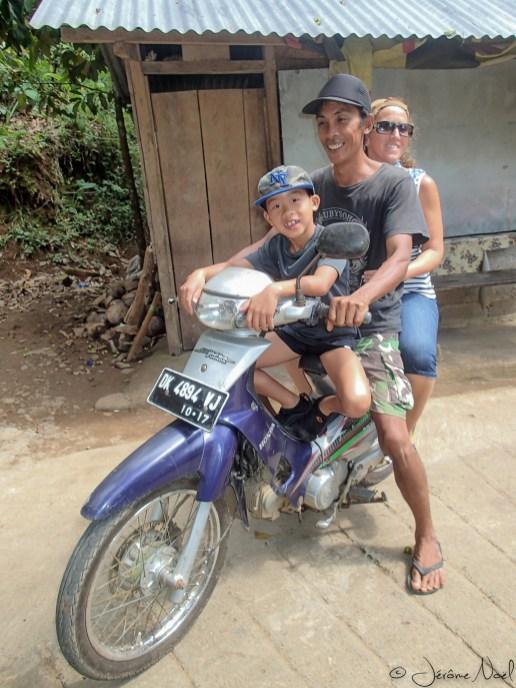 Sekumpul - Luka sur la moto