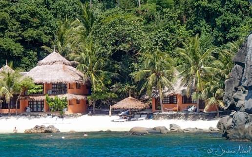 Apo Island Beach Resort