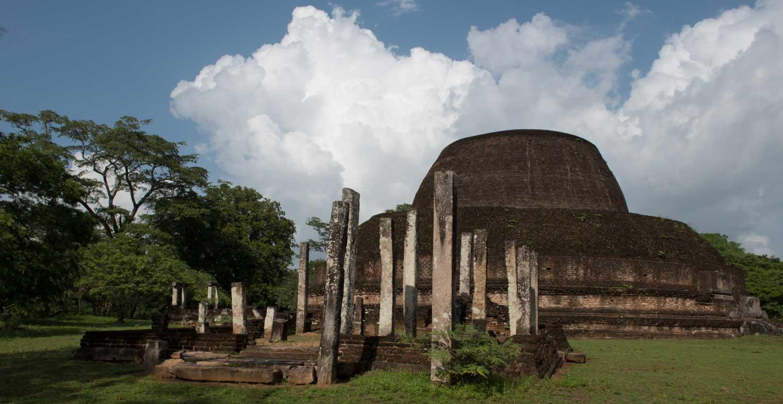Pabulu Vihara, Polonnaruwa, Sri Lanka