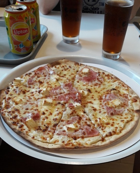 pizza maya au restaurant la pizza de nico a bitche - voyages ici et ailleurs