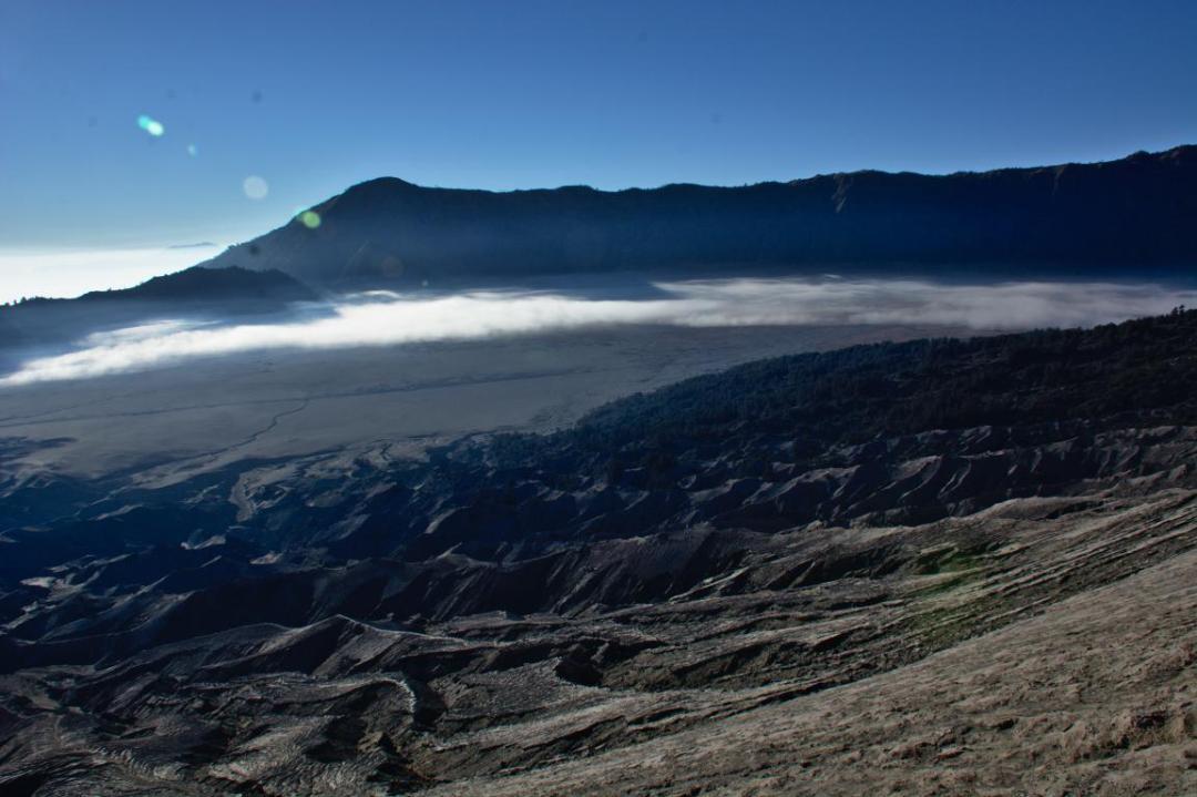 le mont bromo à Java est un volcan incontournable en indonésie