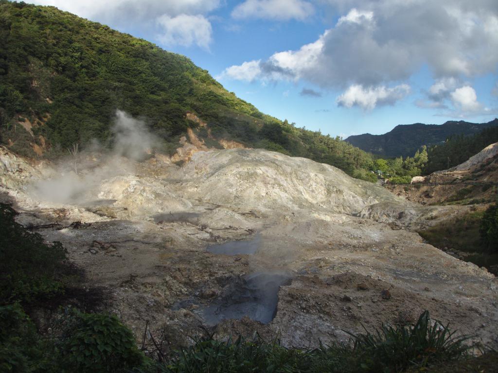 Activité volcanique à sainte Lucie dans les caraibes