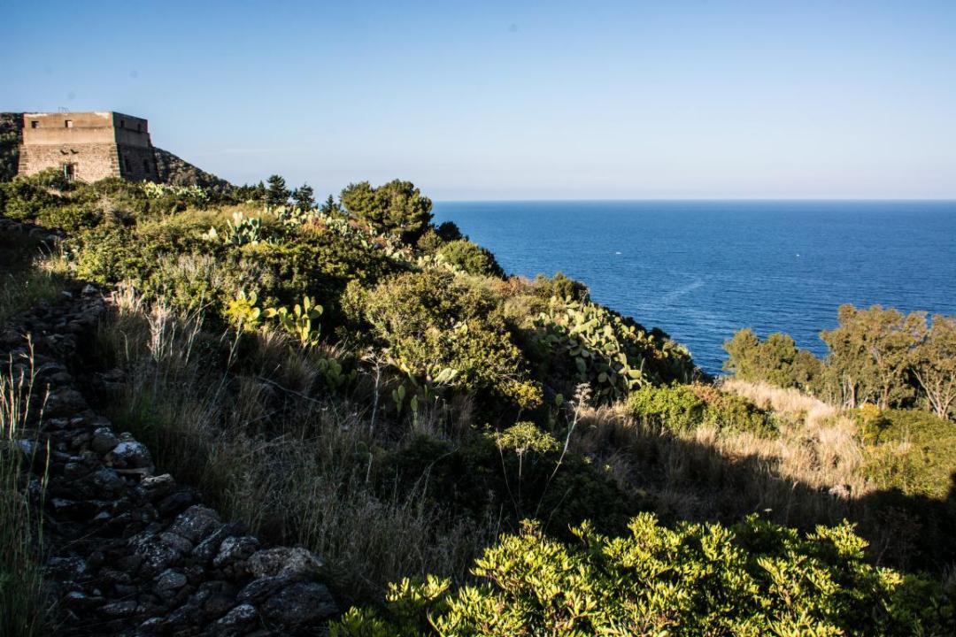 vestiges historiques à ustica ile sicilienne