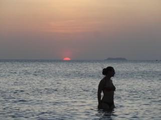 Koh Lanta - Bañito para finalizar el día