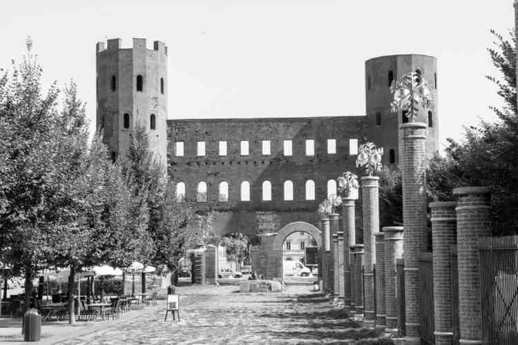turin tours romaines