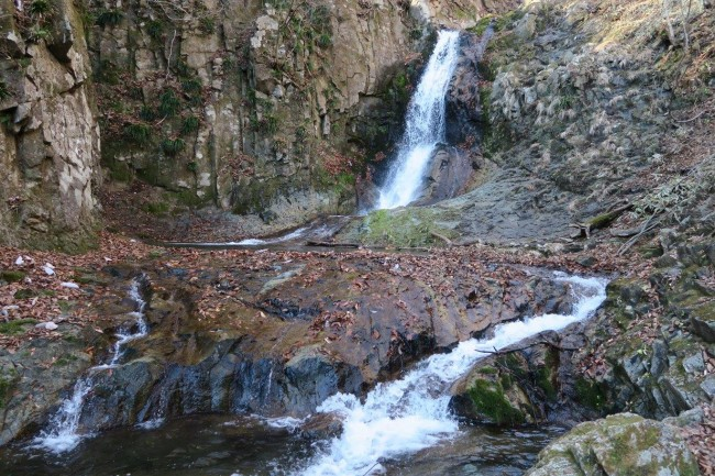Waterfalls of mount diablo loop is a 7.9 mile heavily trafficked loop trail located near clayton, california that features a waterfall and. The Secret Waterfalls Better Than Kirifuri Falls