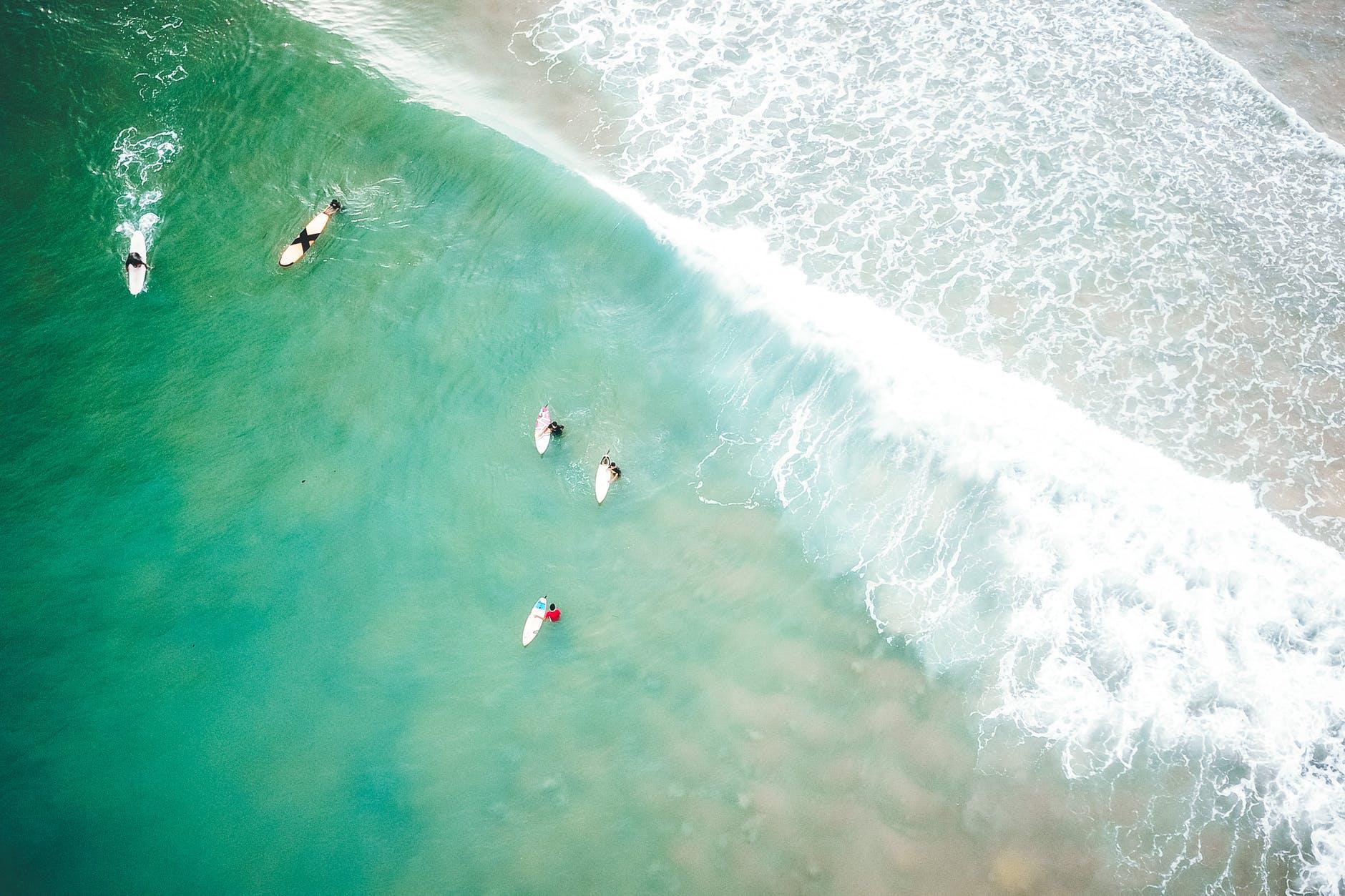 Playa - surferos