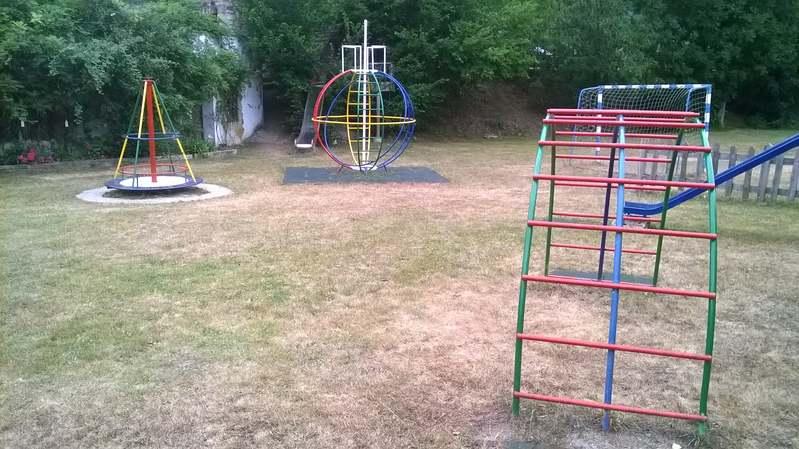 molino de cabuerniga parque infantil