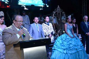Hugo Burgos en representación del gobernador en su mensaje a los colonenses