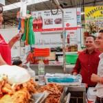 Recorre Toño Macías mercado reforma en San Juan Del Río