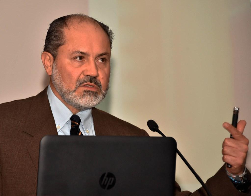 Eduardo Loría, titular del CEMPE de la UNAM