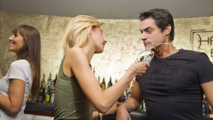 Mai smettere di uscire con tua moglie e mai smettere di flirtare con il marito