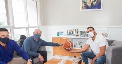El intendente se reunió con la federación de basquet de Tierra del Fuego