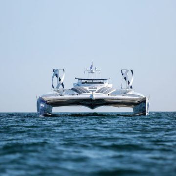 Toyota sponsors hydrogen-powered vessel
