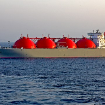 Can LNG tackle shipping's global emissions challenge?