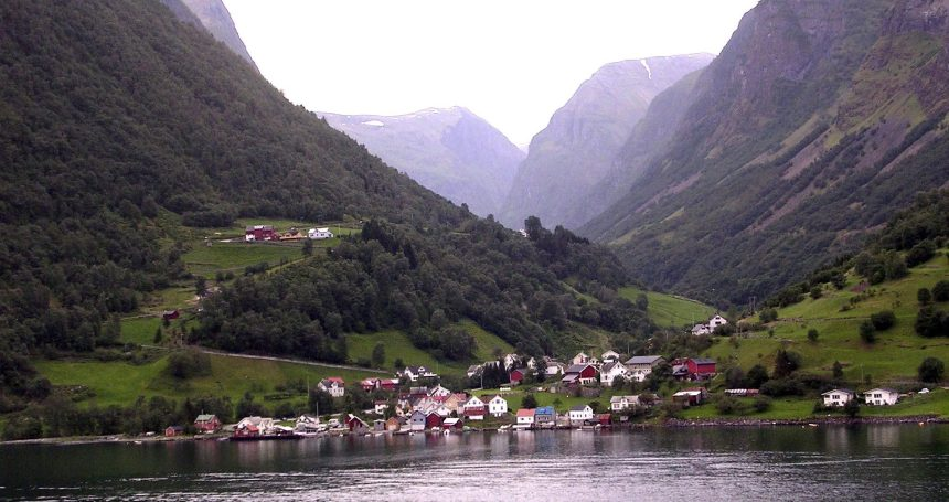 Norway delays entry of emissions cap in world heritage fjords