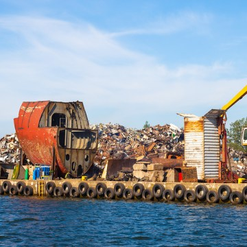Dutch shipowner fined EUR 3m for beaching vessel in India