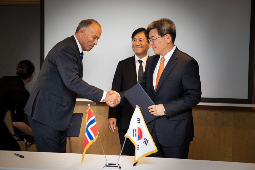 HHI and Jotun sign MoU on emission cutting paint primer