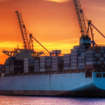 Bio and synthetic LNG are viable fuels for shipping's decarbonisation, finds study