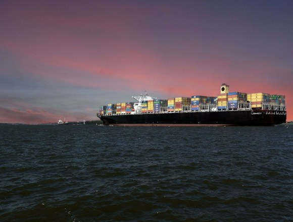 Shipping industry must contribute to climate neutrality, say MEPs