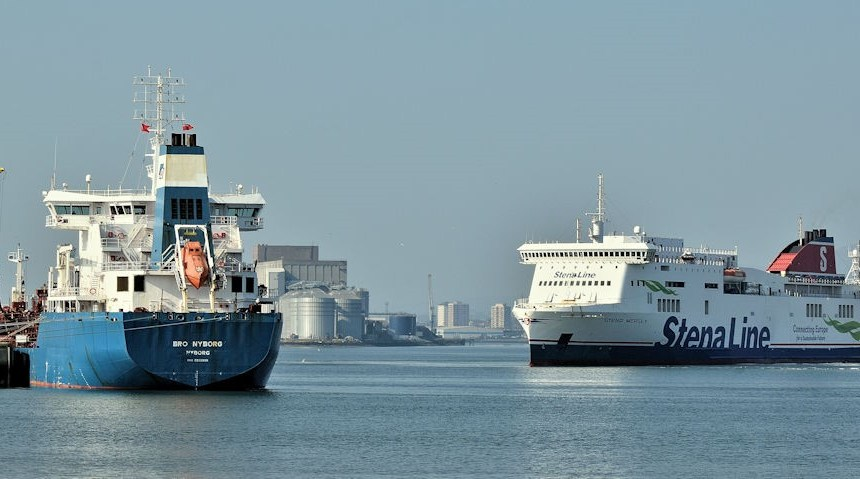 Redshift Associates to develop air pollution service for UK ports