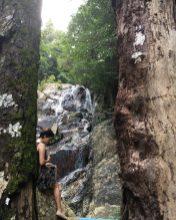 У неизвестного водопада