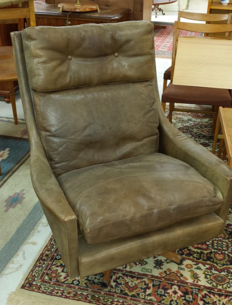 revolving easy chair massaging pad vrigstad antikcenter leather on base