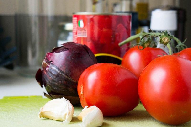 De ingrediënten voor de tomatenketchup