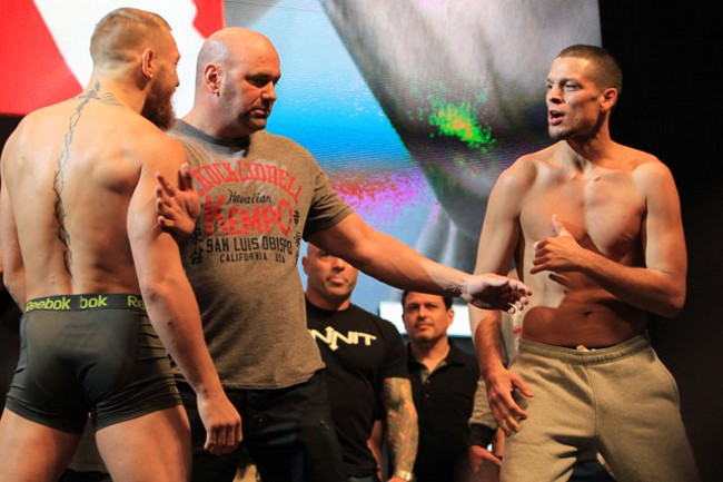 UFC: взвешивание Макгрегора, Диаса, Холм и Тейт в фотографиях