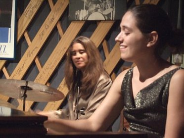 Vanessa performing with Sylvia Cuenca at Le Club Jazz in Kyoto; August 24, 2005