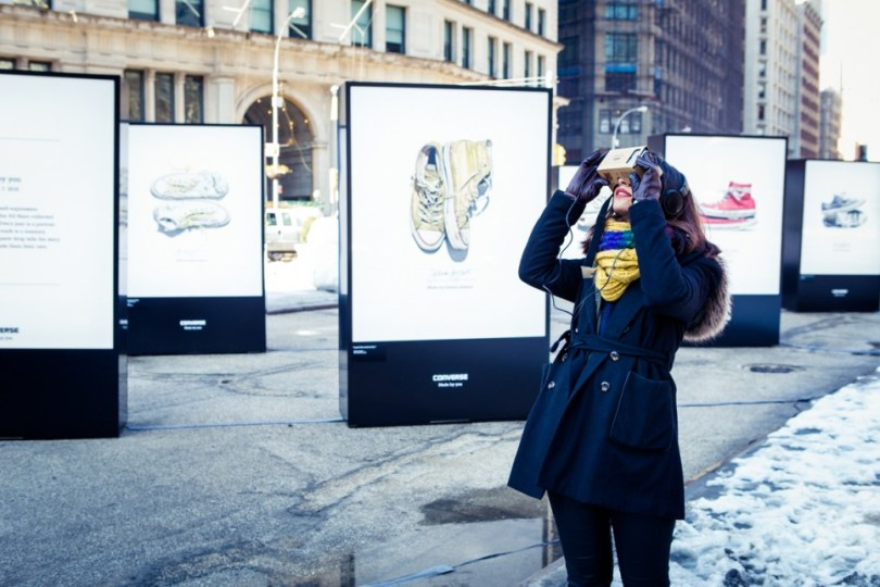 Converse Virtual Reality Cardboard VR