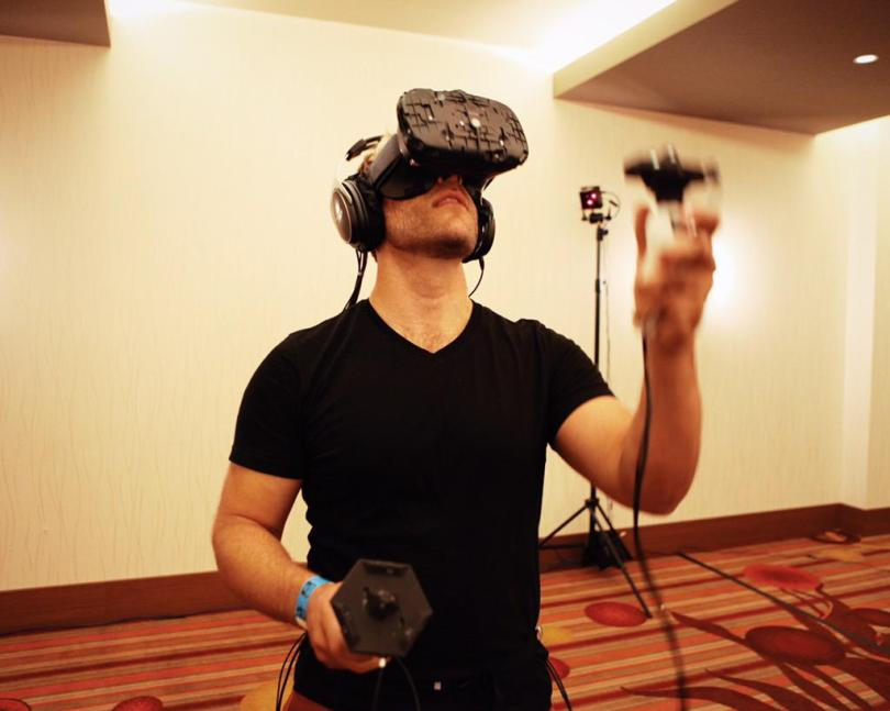 VRScout's Eric demos the HTC Vive