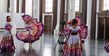 vrplayhouse-jaunt-mariachi