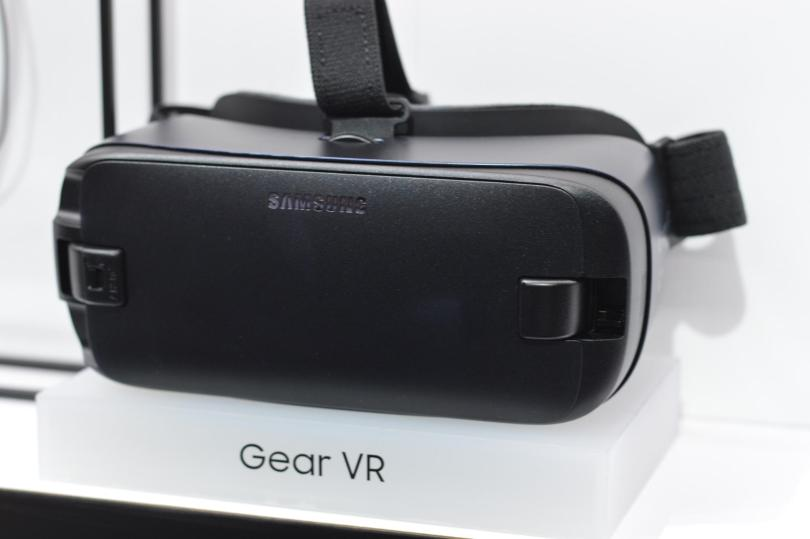 gear-vr-unpacked2