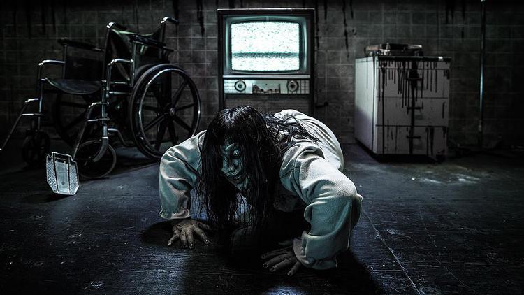 knotts-vr-fearvr-5150-scary-farm