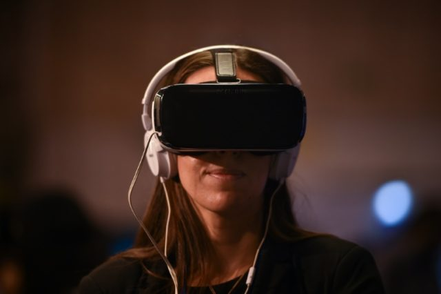 1 in 10 Women Interested in Virtual Reality Sex